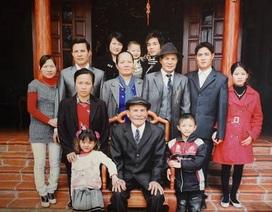 """Ông lão U90 ở Hà Nội kể chuyện """"tán đổ"""" vợ trẻ kém 40 chỉ bằng... câu nói đùa"""