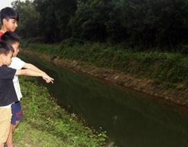 Nam sinh lớp 7 dũng cảm lao xuống dòng nước cứu 2 em nhỏ