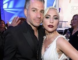 Lady Gaga chia tay bạn trai