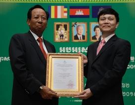 Kỷ niệm 10 năm kinh doanh tại Campuchia, Viettel cam kết tiên phong  xây dựng kinh tế số