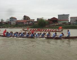 Sôi động Hội thi bơi chải trên sông Cầu