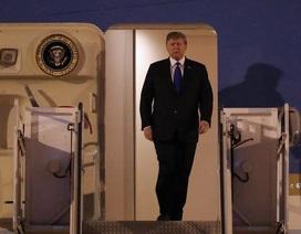Vừa đến Nội Bài, Tổng thống Trump cảm ơn sự tiếp đón nồng hậu của Việt Nam