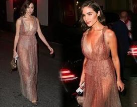 Hoa hậu hoàn vũ diện váy xuyên thấu quyến rũ