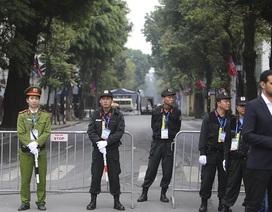 Tổng thống Donald Trump và Chủ tịch Kim Jong-un gặp riêng tối nay: An ninh thắt chặt tại nhiều tuyến phố