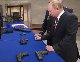 Tổng thống Putin thị sát vũ khí thế hệ mới của Nga