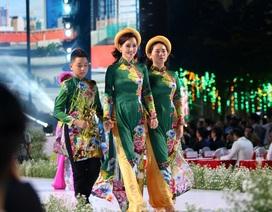 Nhiều thiết kế áo dài đặc sắc trong đêm khai mạc lễ hội áo dài 2019