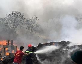 Cháy lớn tại xưởng giặt, sấy bao bì