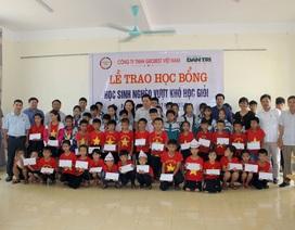 Công ty Grobest cùng đồng hành Báo Dân trí trao 80 suất học bổng  đến học trò nghèo vùng biển Hà Tĩnh