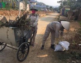 Lặng thầm công việc của những nữ công nhân môi trường phố núi