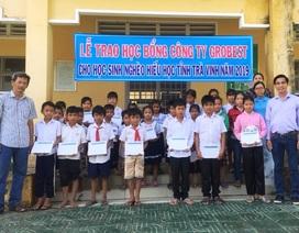 Grobest Việt Nam trao 220 suất học bổng cho HS nghèo tỉnh Trà Vinh