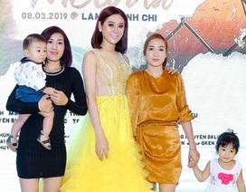 Con trai người đẹp chuyển giới Lâm Khánh Chi lần đầu lộ diện