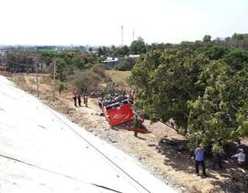 Xe khách lao xuống vực, 7 du khách Hàn Quốc bị thương