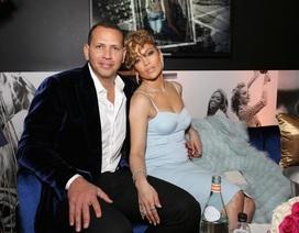 Ngắm loạt nhẫn đính hôn đắt giá của Jennifer Lopez