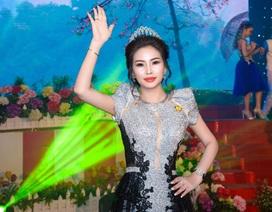 Hoa hậu Vũ Thanh Thảo nhận giải thưởng về làm đẹp