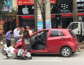 Bộ Công an giải đáp: Mở cửa xe ô tô gây tai nạn bị xử lý như thế nào?