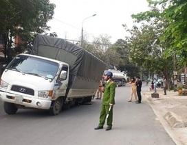 Ô tô tải gãy trục, bánh xe văng trúng người đi đường