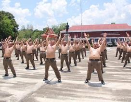 """Thừa cân béo phì, cảnh sát Thái Lan bị gửi đến trại... """"triệt mỡ"""""""