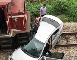 Vụ tàu hỏa đâm ô tô: 5 nạn nhân là anh em, họ hàng