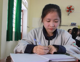 Khâm phục nghị lực nữ sinh mồ côi cha giành giải Nhì Văn quốc gia