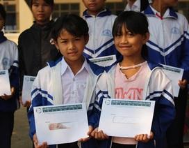 Trao 140 suất học bổng Grobest đến học sinh nghèo vượt khó tại Gia Lai