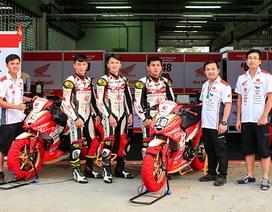 Diện kiến đội Việt Nam đầu tiên tham gia giải đua xe châu Á