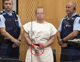 Nghi phạm phát trực tiếp 17 phút xả súng ở New Zealand ra hầu tòa