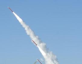 Tên lửa Hàn Quốc bất ngờ tự phóng và phát nổ trên không