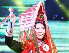 Nữ sinh ĐH Văn hóa khoe sắc trong trang phục các dân tộc Việt Nam
