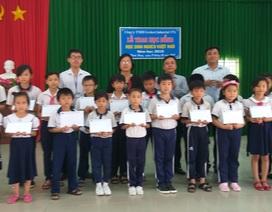 Trao học bổng Grobest đến học sinh nghèo tại Bà Rịa- Vũng Tàu và Đồng Nai