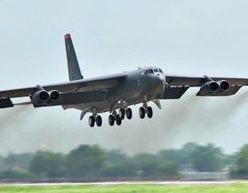 """Mỹ điều 6 máy bay ném bom B-52 đến châu Âu """"nắn gân"""" Nga"""