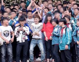 """Khá """"bảnh"""" được tung hô như """"Idol Hàn"""": Sự khủng hoảng thần tượng của giới trẻ?"""