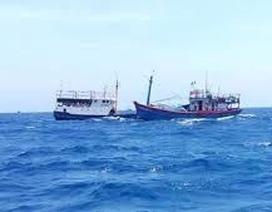 Tàu Hải cảnh Trung Quốc phun vòi rồng đuổi tàu cá Việt Nam tại Hoàng Sa