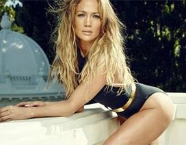 Jennifer Lopez xách túi hơn 100 nghìn USD ra phố