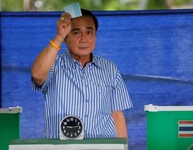 Kết quả sơ bộ bầu cử Thái Lan: Đảng thân quân đội và phe thân Thaksin bám đuổi sít sao