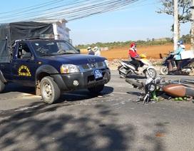 Một phụ nữ nguy kịch sau khi va chạm với ô tô cảnh sát cơ động
