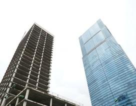 Tòa tháp hoang tàn giữa Thủ đô: 10 năm ôm cục nợ hoành tráng