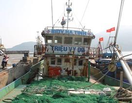 Tàu cá hiện đại phải nằm bờ vì càng ra khơi càng lỗ