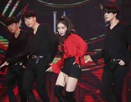 Super Junior, Chungha quậy hết cỡ cùng khán giả Sài thành