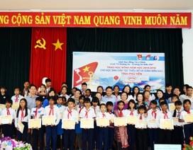 Phú Yên: Trao 110 suất học bổng cho học sinh nghèo vượt khó học giỏi