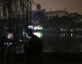 Hồ Gươm trong một giờ tắt đèn