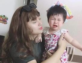 Ông bố giả gái để dỗ con nín khóc gây sốt mạng vì quá xinh