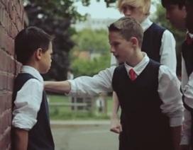Làm gì khi con bạn bị bắt nạt?