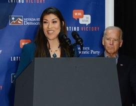 """Cựu Phó tổng thống Mỹ Joe Biden bị cáo buộc """"đụng chạm không đúng mực"""" với phụ nữ"""
