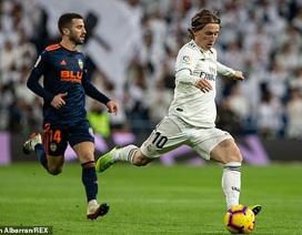 Thử thách mang tên Valencia thử tài HLV Zidane