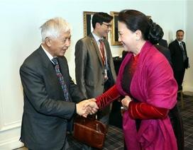 Chủ tịch Quốc hội gặp gỡ cộng đồng người Việt Nam tại Pháp