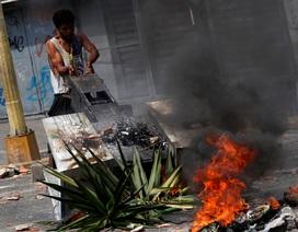 Cơn giận dữ của người Venezuela khi cuộc sống chìm trong bóng tối