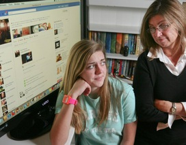 Cha mẹ nên nói gì với con để sử dụng mạng xã hội an toàn hơn?