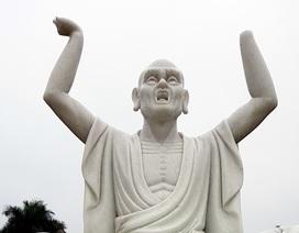 Cận cảnh những pho tượng La Hán trong chùa bị kẻ xấu đập phá