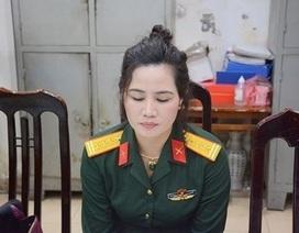 """Bắt giữ nữ nhân viên văn phòng luật """"đội lốt"""" Đại tá quân đội"""