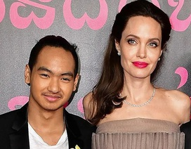 Con trai cả của Angelina Jolie lần đầu đi học xa nhà